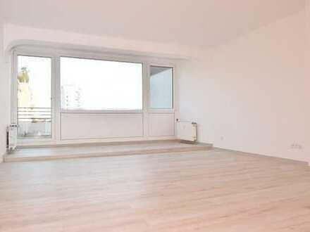 Soeben komplett saniert! Elegante Penthouse-1-Zimmer-Wohnung-2 große Terrassen-EBK-TG-Platz inkl.!