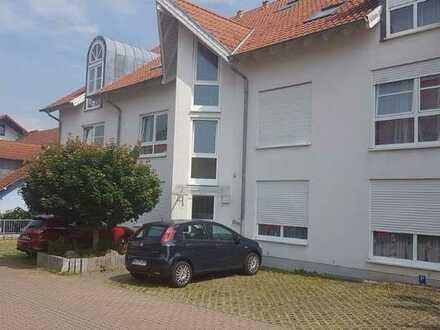 Vollständig renovierte 2-Raum-EG-Wohnung mit Balkon und Einbauküche in Rauenberg