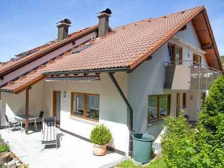 Schöne Doppelhaushälfte mit toller Einliegerwohnung im Herzen Baiersbronns