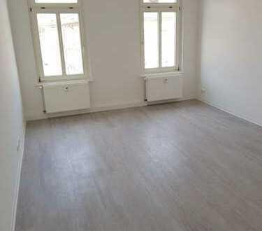 Riesige 5-Raumwohnung für Familien/Studenten! + zwei Badezi. + Design/Laminatboden + EBK-Option