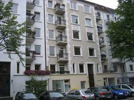 Barmbek-Süd: 2,5-Zimmer-Altbau - ideal als Wohnbüro / Praxis / Atelier