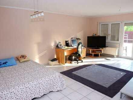 800 €, 82 m², 3 Zimmer (mit Garage, EBK)
