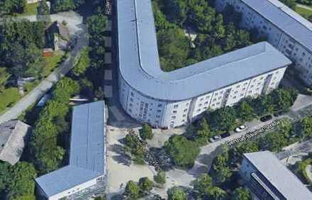 Stilvolle, sanierte 3-Zimmer-EG-Wohnung mit Balkon und EBK in Neuhausen, München