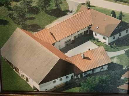 Bauernhof 3-Seit-Hof mit großem Wohnhaus und 11.000 qm Grund - da schlägt das Reiterherz höher