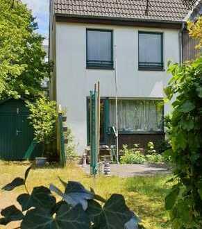 freiwerdendes Bast-Endhaus mit Garten