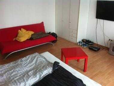 Möbiliertes 23m 2 Zimmer zur Zwischenmiete in netter 2er Wg mit super Lage