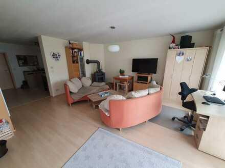 Geräumige EG Wohnung mit Terrasse , Garten etc.