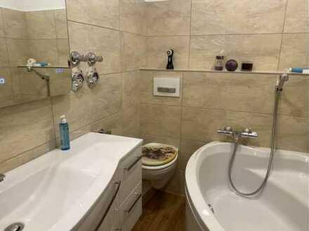 Vollständig renovierte 4-Zimmer-Wohnung mit Balkon und EBK in Bensheim