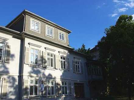 Herrschaftlich wohnen! Außergewöhnliche 5-Zimmer-Wohnung in einem historischen Anwesens in Coburg
