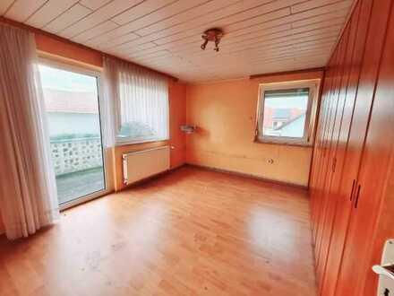 Ruhiges Wohnen in einer Nebenstraße in Aspisheim mit viel Potenzial und Stauraum in den Nebengebäude