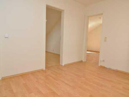 Gepflegte 4-5-Zimmer-Wohnung im Dachgeschoss eines 3-Familienhauses / Weinheim - Sulzbach