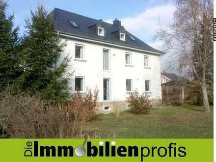 Renovierte 3-Zimmer-Mietwohnung mit Balkon in großer Grünanlage