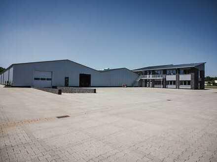 Lagerhalle, Logistikfläche 1000m2, mit Rampe + Tor, Betonboden, neuwertig