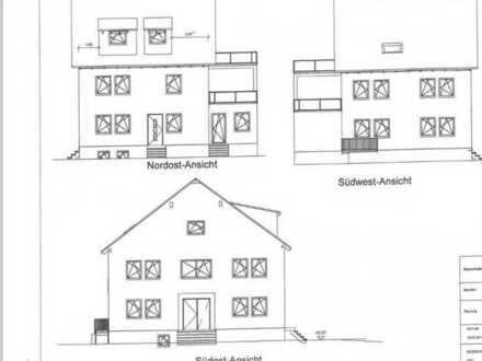 Erstbezug nach Sanierung: freundliche 4-Zimmer-Wohnung mit Balkon in Neuberg