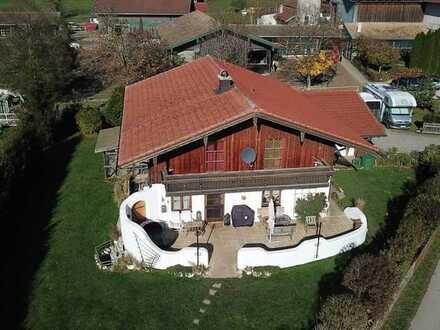 *Reserviert* Ideal für Pferde- und Golfliebhaber!  Landhaus mit Einliegerwohnung nähe Gut Ising