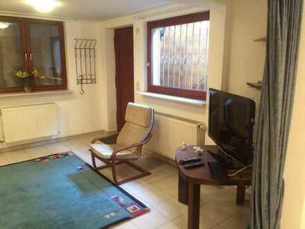 Schöne 1-Zimmer UG-Wohnung in ruhiger Wohngegend mit Terrasse