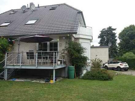 Schönes Haus mit vier Zimmern in Berlin, Französisch Buchholz (Pankow)
