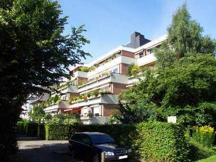 Gete-Viertel: Komplett modernisierte 3-Zimmer-Wohnung mit großem Sonnenbalkon