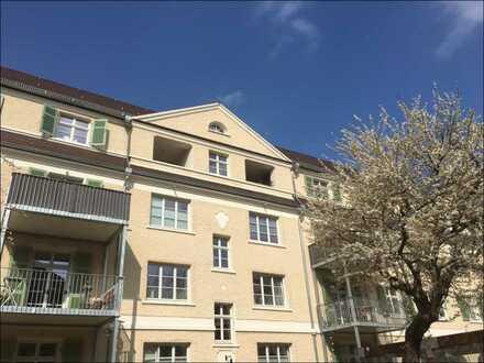 Neue Hofgärten - Wunderschöne 2,5 Zimmer Wohnung mit Loggia und zwei Bädern!