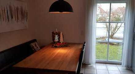 Kösching, Doppelhaushälfte in ruhiger Wohnlage