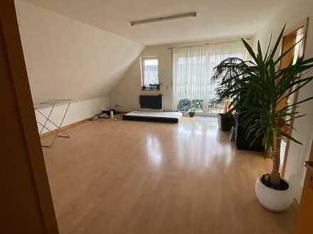 Preiswerte, geräumige 4-Zimmer-Dachgeschosswohnung in Lindlar-Linde