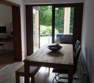 Ansprechende 3-Zimmer-Wohnung mit Balkon und EBK in Bergisch Gladbach