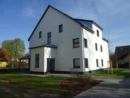 Erstbezug: schöne 4-Zimmer-Wohnung mit EBK und Terrasse