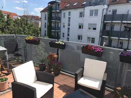 Keine Wohnung von der Stange - Dachgeschoss mit großem Balkon
