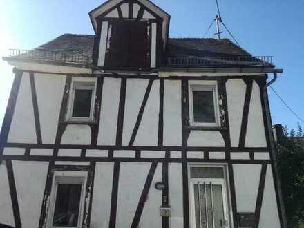 Attraktives 6-Zimmer-Einfamilienhaus in Niederfischbach, Niederfischbach