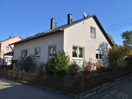 Zweifamilienhaus in sehr guter und ruhiger Wohnlage - in Laichingen-Machtolsheim!