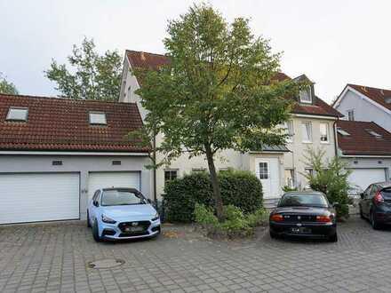 Vermietete 3-Zi.-Whg. im 1.OG (ca. 61m² Wohn-/Nutzfläche) mit Balkon und 2 Pkw-Stellplätzen!