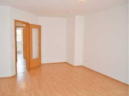 Gepflegte 4-Zimmer-Erdgeschosswohnung mit Balkon und EBK in Bamberg
