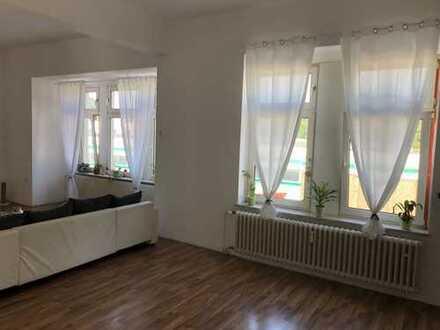 TOP! direkt am Kaiser-Park - große (133 m²) nachhaltig vermietete Eigentumswohnung mit Balkon