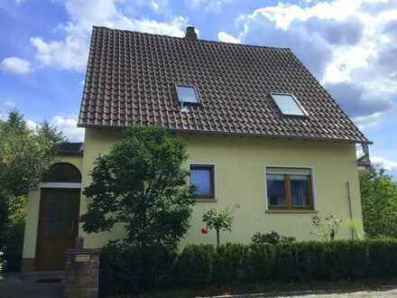Kaiserslautern - Bännjerrück: Freistehendes Einfamilienhaus mit Stellplatz