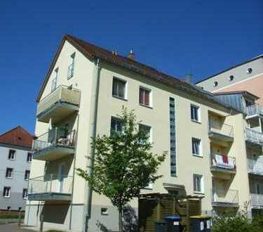 Hübsche, kleine 3-Zi-Wohnung mit Balkon und Stellplatz in Marienthal!