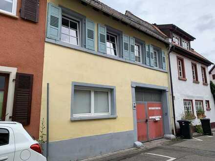 Freinsheim +++ neu sanierte 4 ZKB-DG-Wohnung mit Stellplatz