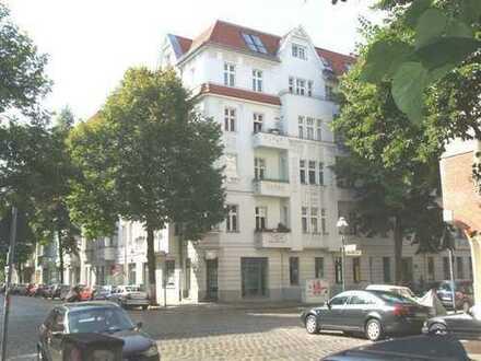 Dachgeschoß in saniertem Stuckaltbau nahe dem Tempelhofer Feld, ETW Nr. 18 - gute Kapitalanlage