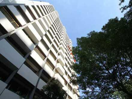45 m² mit großem Balkon, Küche und Traumblick vom 13. OG