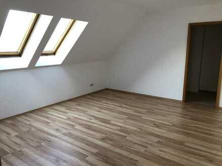 Sonnige 2-Raum-Wohnung mit Balkon in Berga