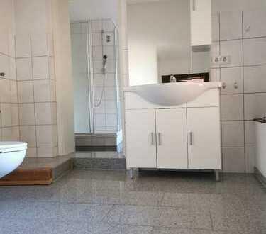 Gepflegte 3-Raum-Erdgeschosswohnung mit Einbauküche in Dittelsheim Heßloch