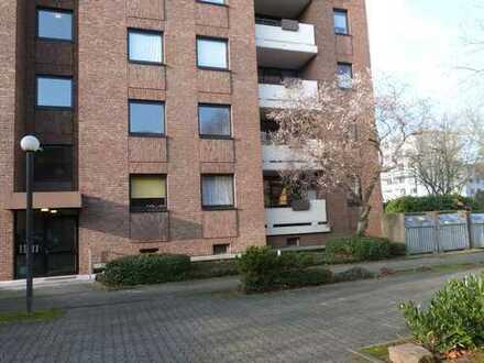 Gepflegte 3-Zimmer-Wohnung mit Balkon und EBK in Weiden, Köln