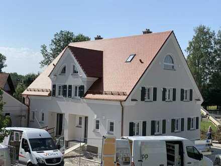 Schloss-nahe luxuriöse Doppelhaushälfte im schwäbischen Stil, Neubau, Höchstädt an der Donau
