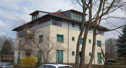 Vollständig renovierte 2-Zimmer-Dachgeschosswohnung mit Balkon und EBK in Dresden