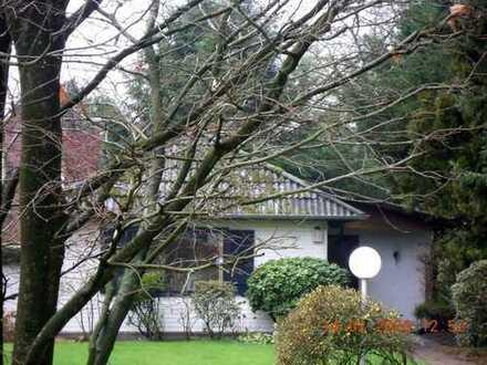 Kleines Haus mit Gartengrundstück in Hamburg Wellingsbüttel