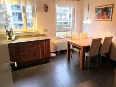 In Bestlage von Frankfurt, exklusive, gepflegte Wohnung mit 15m2 Balkon und hochwertiger Einbauküche