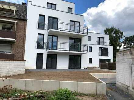 Hochwertige Wohnung auf zwei Etagen mit Südbalkon, kleine Dachterrasse und Gartenanteil