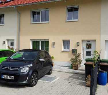 Schönes Haus mit fünf Zimmern in Landshut (Kreis), Velden