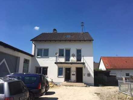 Renovierte Dachwohnung in Mickhausen