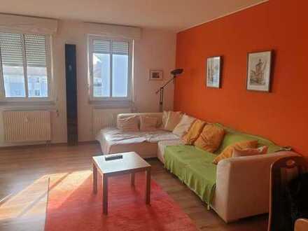 Stilvoll möblierte, gepflegte 2-Zimmer-Wohnung mit EBK in Regensburg
