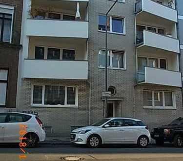 Gepflegte 2-Zimmer-Wohnung mit Balkon, Loggia und EBK zentral in Aachen